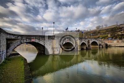 500-letni most między Namur i Jambes, Region Walonii, Be