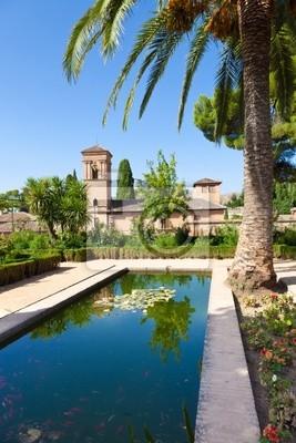 Alhambra de Granada. Convento de S. Francisco za stawem