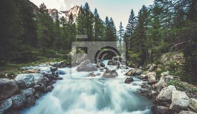 Obraz Alpejska rzeka we Włoszech