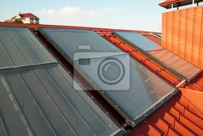 Alternatywne energii układ słoneczny na dachu domu .