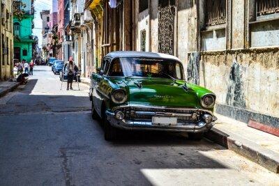 Obraz Amerykańskie i radzieckie samochody 1950 - 1960 z Hawany.