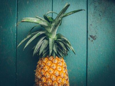 Obraz Ananas na fakturze drewna