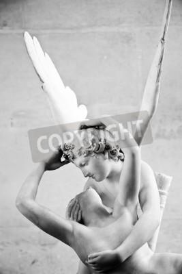 Obraz Antonio Canova w posąg Psyche reaktywowana przez pocałunek Kupidyna, pierwsze zlecenie w 1787 roku, jest przykładem neoklasycystycznym nabożeństwo do miłości i emocji