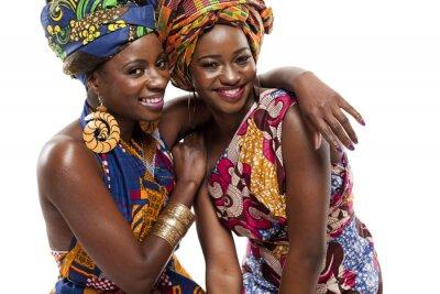 Obraz Beautiful African Cyclone Box Obslugiwane modele mody w tradycyjnym stroju.