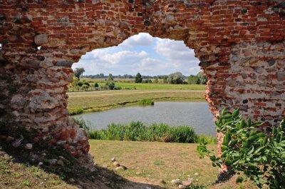 Obraz Besiekiery, ruiny gotyckiego zamku, Polska