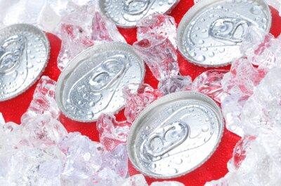 Obraz Bliska, z puszki sody w lodzie