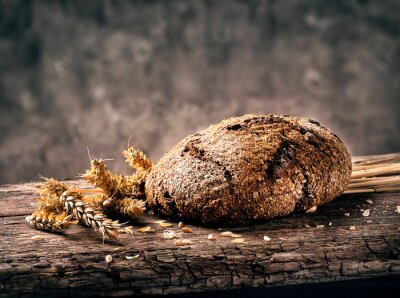 Obraz Bochenek chleba z teksturą czarne uszy