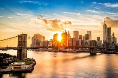 Obraz Brooklyn Bridge i Lower Manhattan skyline o zachodzie słońca