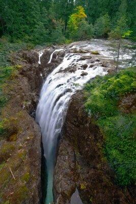 Cascade picturesque falls