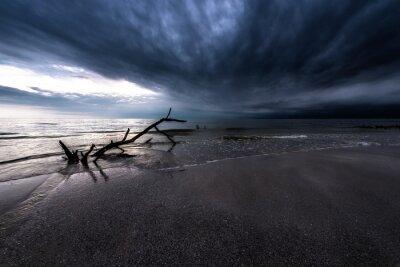 Obraz Ciemne chmury nad Oceanem