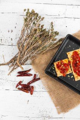 Obraz Cracker z pieczonej papryki, papryka chili i oregano