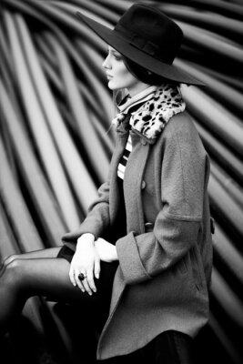 Obraz czarno-biały kobieta mody