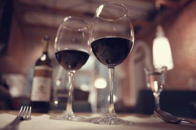 Obraz czerwone wino w restauracji francuski wnętrza