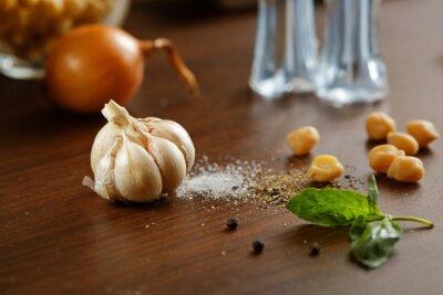 Obraz Czosnek, sól, pieprz i cebuli