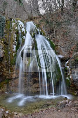 Djur-Djur wodospad w zimnych porach roku