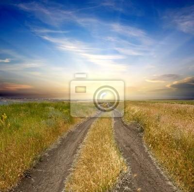 drogi wiejskiej do zachodu słońca