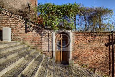 Drzwi na 400 stopni schody Montagne de Bueren, Liege, Belgiu