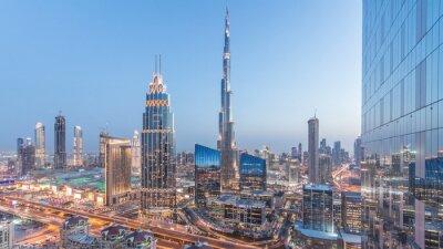 Obraz Dubaj centrum miasta dzień do nocy timelapse z najwyższym budynkiem i Sheikh Zayed ruchu drogowego, Zjednoczone Emiraty Arabskie