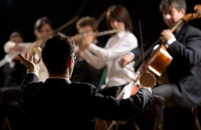 Obraz Dyrygent kierowanie orkiestrę symfoniczną