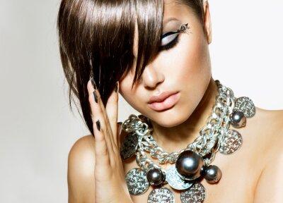 Obraz Dziewczyna Glamour Fashion Beauty z stylowej fryzurę i makijaż