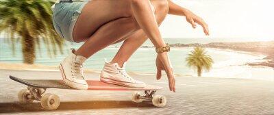 Obraz Dziewczyna z jej longboard rejsy