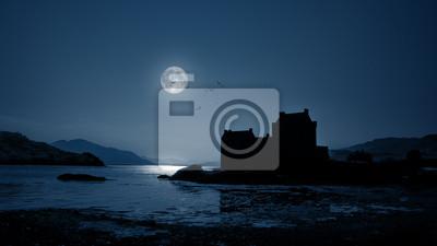 Eilean Donan Castle w nocy