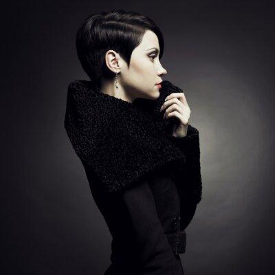 Obraz Elegancka pani w płaszczu