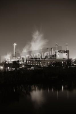 Obraz Fabryka z kominem w nocy w Filadelfii.