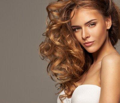 Obraz Fotografia mody piękna blondynka z naturalnym makijażu