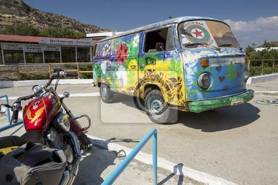 hippie autobus Matala symbol miasta na Krecie