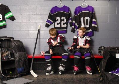 Obraz Hockey Arena Chłopcy w garderobie Rink