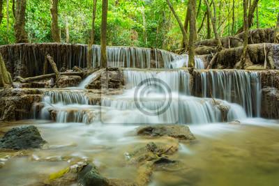Huai Mae Khamin wodospad w prowincji Kanchanaburi, Tajlandia