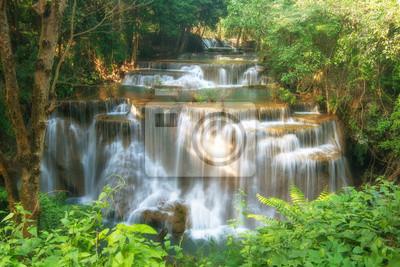 Huay Mae kamień wodospad, piękny wodospad w tropikalnych, Kan