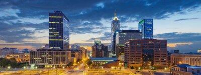 Obraz Indianapolis. Obraz z Indianapolis skyline o zachodzie słońca.