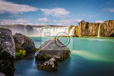 Islandia, Godafoss na zachodzie słońca, piękny wodospad, długi czas ekspozycji
