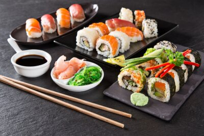 Obraz Japoński zestaw sushi z owocami morza