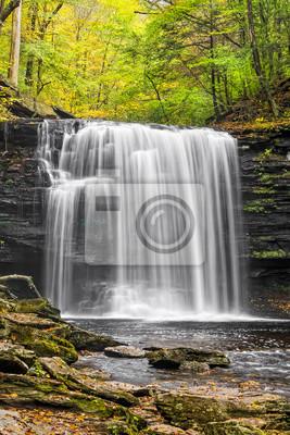 Jesień w Harrison Wright Falls - Ricketts Glen State Park, Pennsylvania