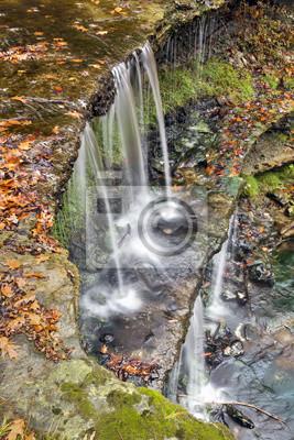 Jesienny Wodospad w Oglebay Park, Wheeling, Wirginia Zachodnia