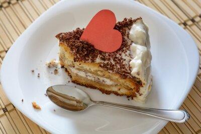 Obraz Kawałek Walentynki ciasto zbliżenie czystą łyżką