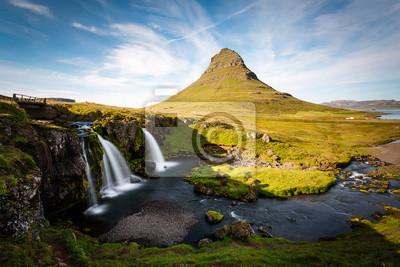 Kirkjufell Góry, Islandia krajobraz