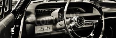Obraz Klasyczny samochód sfotografowany od strony kierowcy