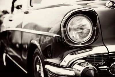 Obraz Klasyczny samochód z bliska reflektorów