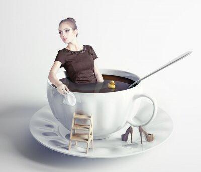 Obraz kobieta w filiżance kawy