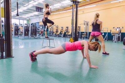 Obraz Kobiety Szkolenia Grupa torze w CrossFit