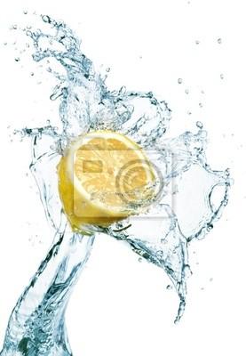 Lemon w plusk wody