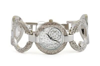 Luksusowy zegarek kobieta samodzielnie na białym tle