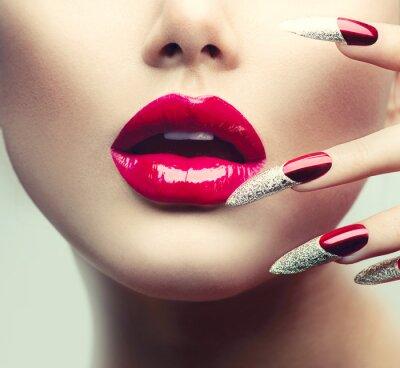 Obraz Makijaż i manicure.