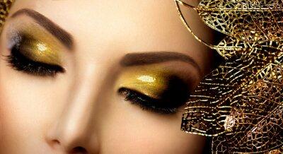 Obraz Makijaż mody Glamour. Złoty Glittering Eyeshadows wakacje