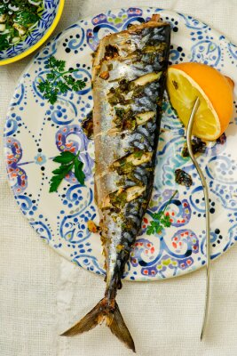 Obraz makrela - grill z cytryny i sosem