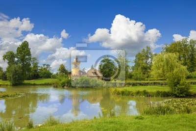 Marlborough Tower and pond of Versailles Chateau . Francja